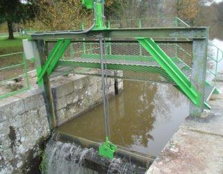 canal-nantes-brest-vanne-decharge-3